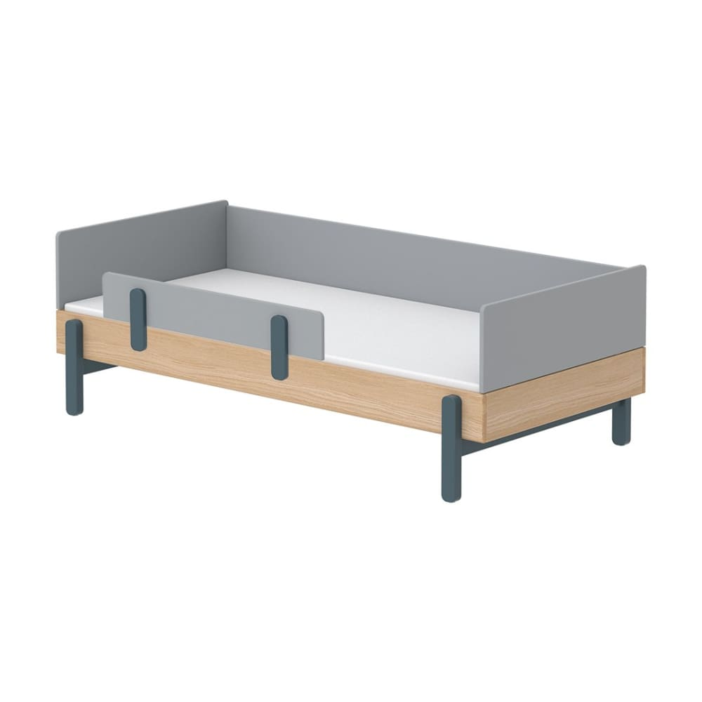 Popsicle - Daybed, single size with Safety rail - Oak/Blueberry - Kids Furniture | Flexa USA