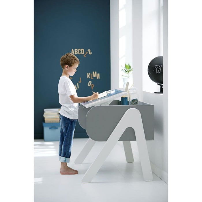 Study - Woody desk - Clear Lacquer/Urban Grey - Kids Furniture | Flexa USA