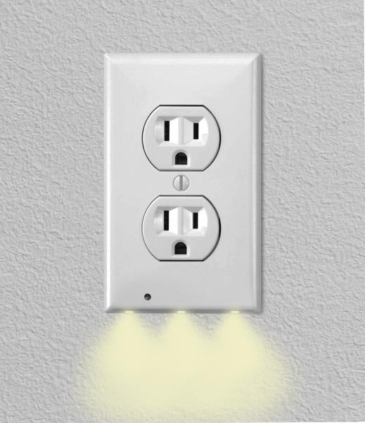 Deals on ITD Gear Wall Outlet Coverplate w/LED Night Lights