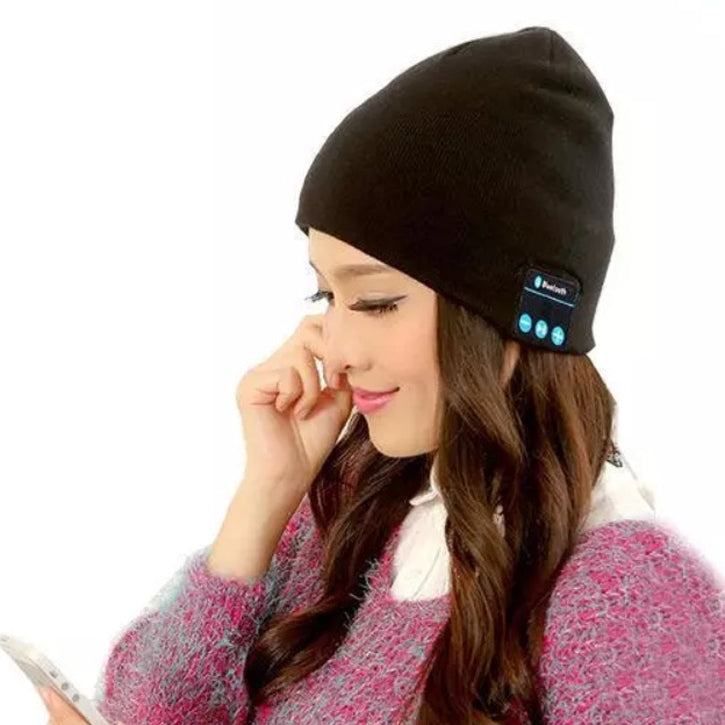 Wireless Bluetooth Beanie Hat with Built-In Headphones in Black