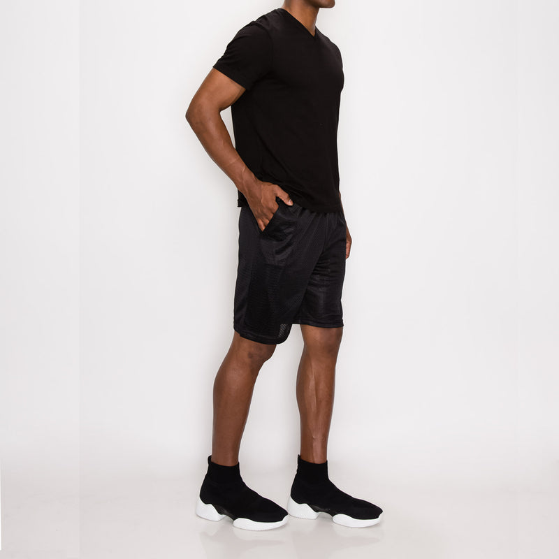 MESH BASKETBALL SHORTS - BLACK