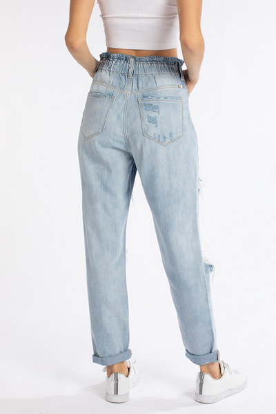 Denim Dreams Jeans: Light Wash