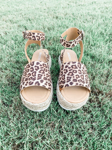 Chloe Platform Sandals: Cheetah