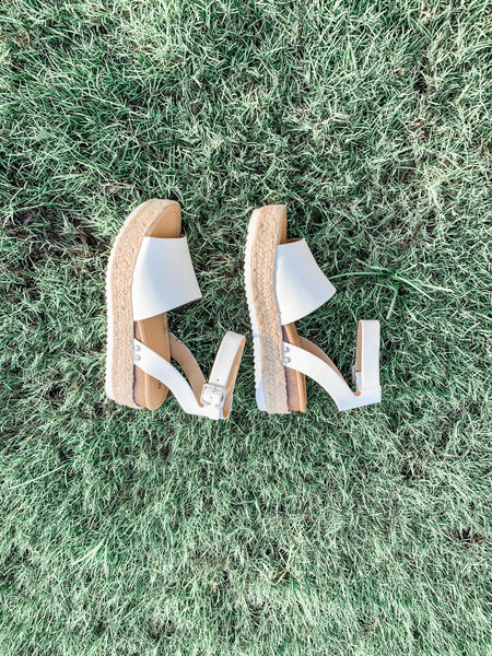 Chloe Platform Sandals: Off White