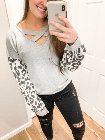 Leopard Puff Sleeves Top: Gray