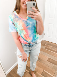 CURVY V-Neck Tie-Dye Top: Multi