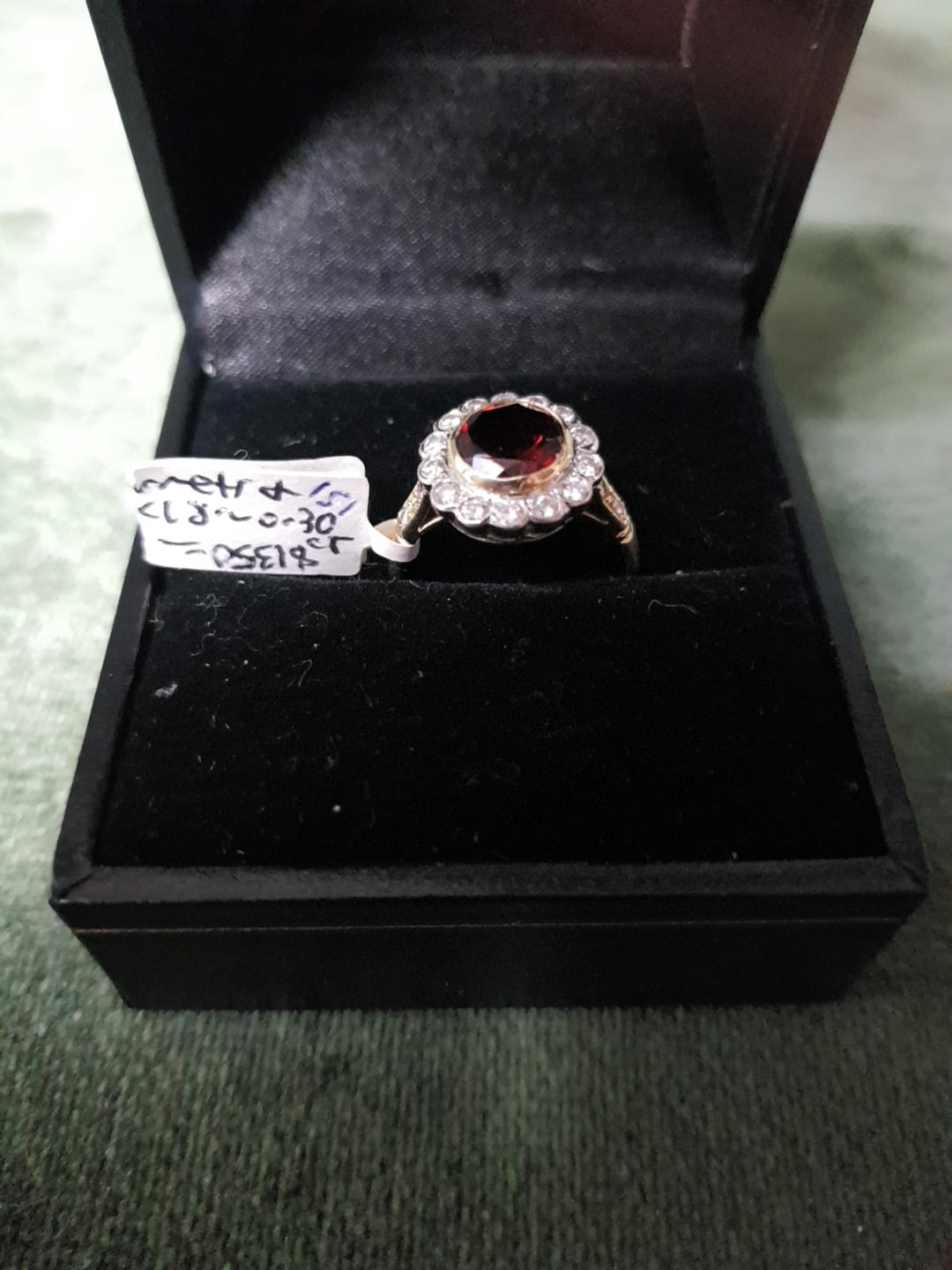 18ct Gold and Diamonds x 18, approx 0.30ct combined, and Garnets ring #151