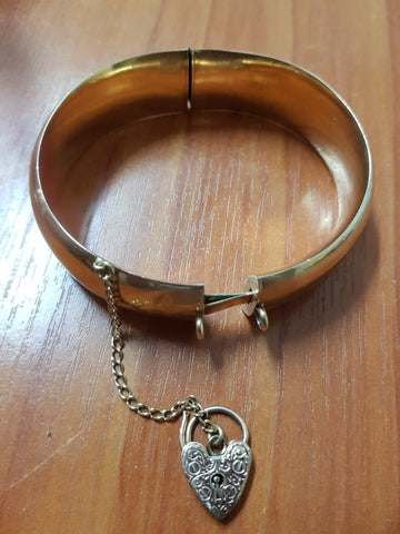 15ct Gold Wax Filled Bangle c.1940 with 9ct Heart Lock