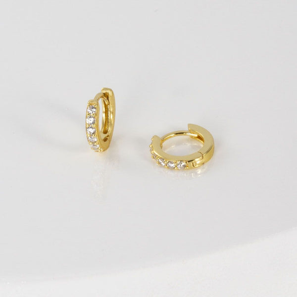 Aretes Mini Hoops Brillantes + Anillo Solitario