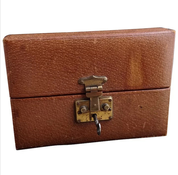 Vintage leather jewellery box, lockable