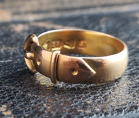 Antique Victorian 18ct gold buckle ring