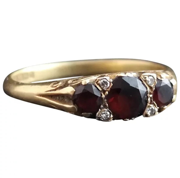 Vintage garnet and diamond ring, 18ct gold
