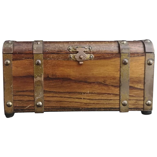 Vintage treasure chest jewellery box