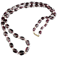 Vintage garnet and cultured pearl necklace, 9ct gold clasp