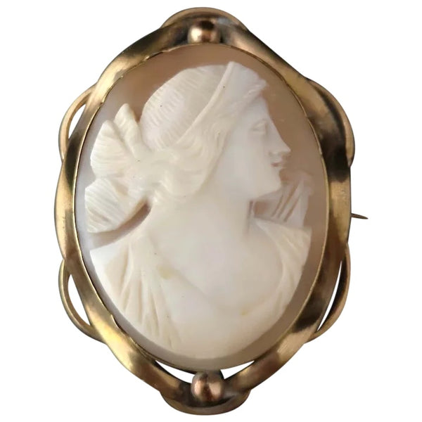 Antique Victorian cameo brooch, large