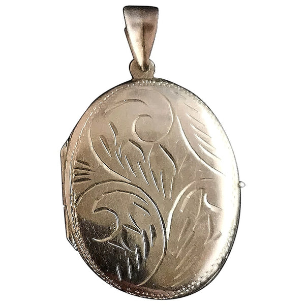 Vintage sterling silver locket, oval