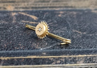 Victorian gold and pearl brooch, pin