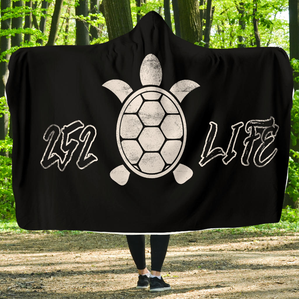 252 Life/Sea Turtle/Black and White/Hoodie Blanket/Outer Banks/North Carolina