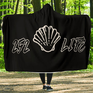252 Life/Sea Shell/Black and White/Hoodie Blanket/Outer Banks/North Carolina