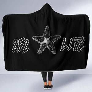 252 Life/Starfish/Black and White/Hoodie Blanket/Outer Banks/North Carolina