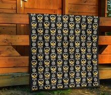 Load image into Gallery viewer, Skulls Quilt/Black/Gold/Pittsburgh