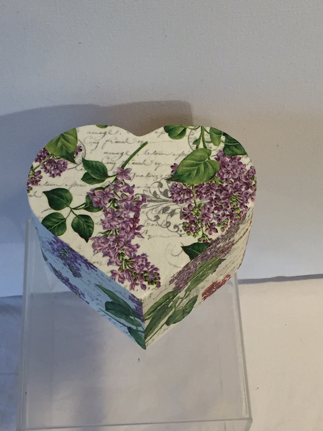 Heart Shaped Trinket Box - Lilac with French writing