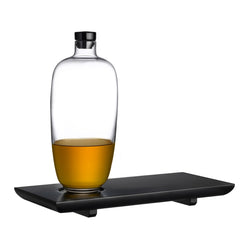 Nude Glas Whisky bottle Tall with wooden tray presented with whisky