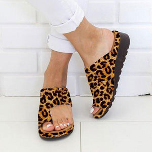 Women comfy flat sole sandals with big toe