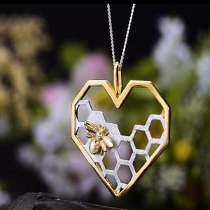 Honeycomb Guards Heart Shape Pendant - LUSTROUSOLOGY