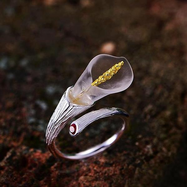 Calla Lily Adjustable Ring - LUSTROUSOLOGY