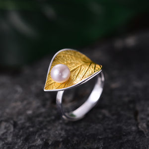 Pearl on The Leaf Ring - LUSTROUSOLOGY