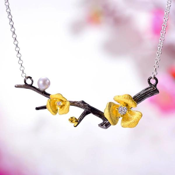 Fresh Plum Blossom Flower Necklace - LUSTROUSOLOGY