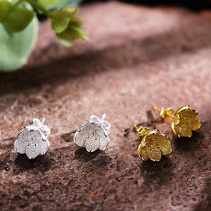 Vintage Flower Stud Earrings - LUSTROUSOLOGY