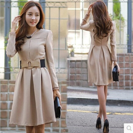 Autumn Vestiges DE rends cape collar dress