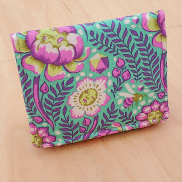 Audrey Flower Head Mini Wallet