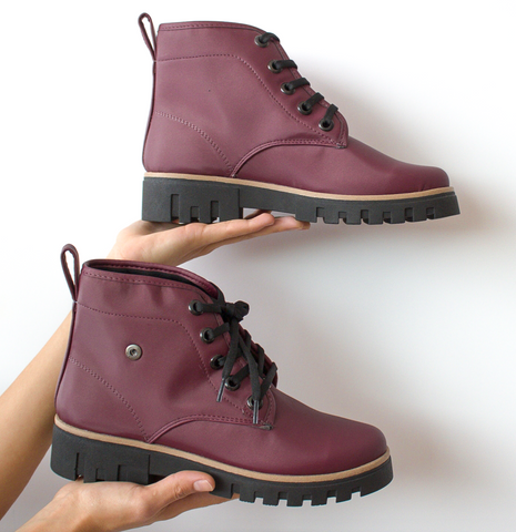 Explorer Booties Satin