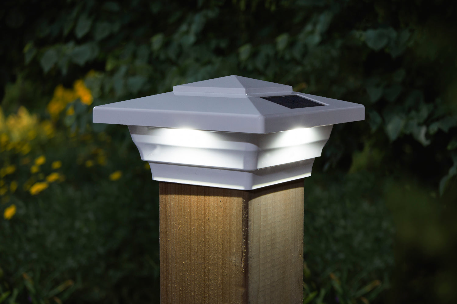 WHITE PVC WINDSOR SOLAR POST CAP