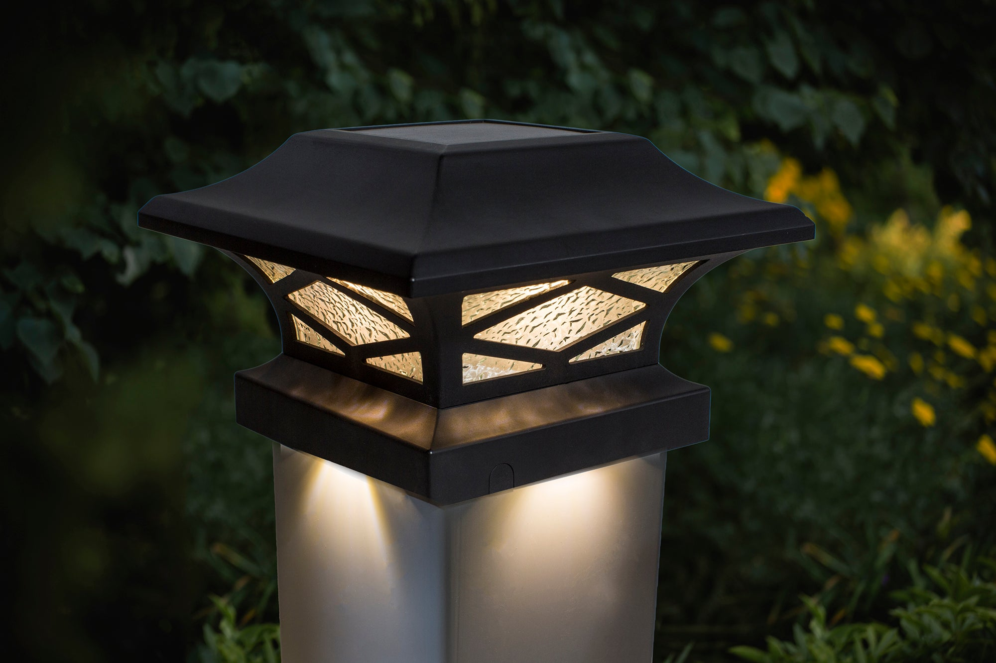 KINGSBRIDGE BLACK DUAL LIGHTED SOLAR POST CAP