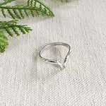 Pointed V Ring - silver