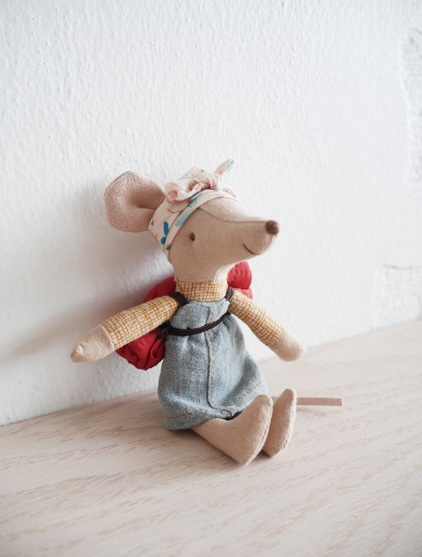 Hiker Mouse