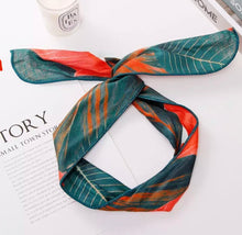 Load image into Gallery viewer, Tropical Print Headband (cross-knot)
