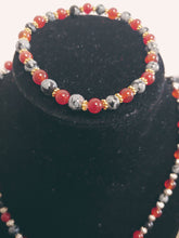 Load image into Gallery viewer, Women Hand Design Beaded Necklace Set