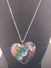 Load image into Gallery viewer, Glitter Heart Shape Pressed Flower Necklace