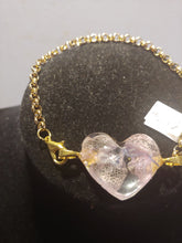 Load image into Gallery viewer, Natural Resin Heart Flower Bracelet's
