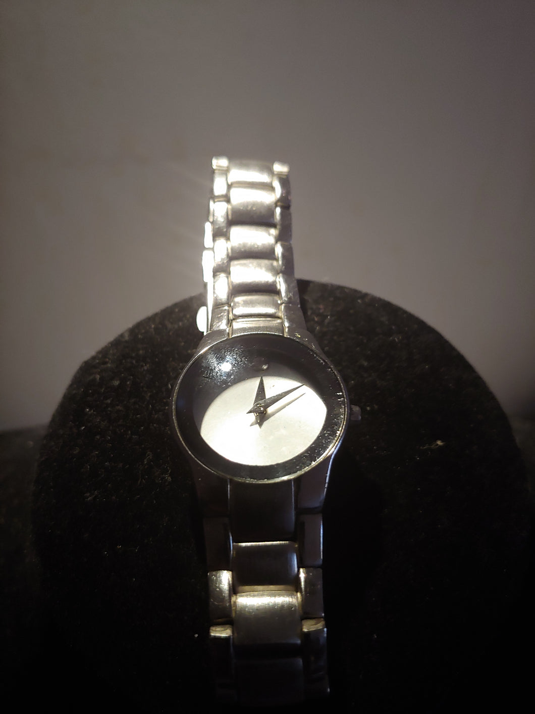 Movado Men Stainless Steel Quartz Watch