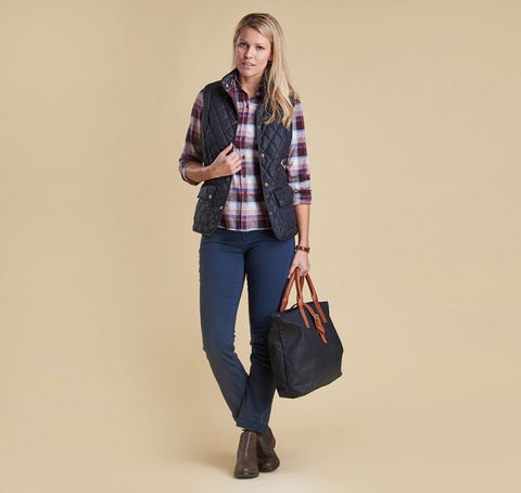 Barbour Women's Saddleworth Quilted Gilet - Navy and Pearl
