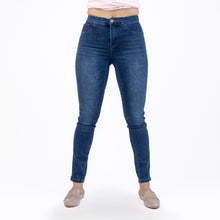 Load image into Gallery viewer, Signature Style Med Wash Denim Jeans - Ceniajeans