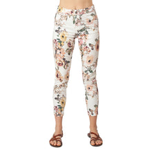 Load image into Gallery viewer, CCJ6024 Printed Basic Signature Style - Ceniajeans