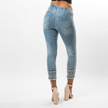 Load image into Gallery viewer, Chevron Beaded Hem Capris - Ceniajeans