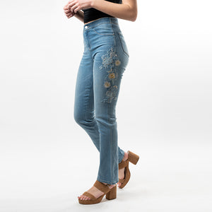 Beautiful tonal thick embroidery on both sides of the legs make this stylish bootcut Convi, with just the right amount of flare, reminiscent of the 70's with a modern twist.
